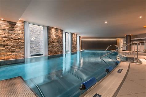Hotel Infinity Munich Spa Wellness Pool - Picture of
