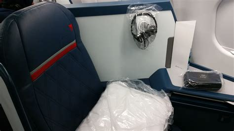 Airbus A330-300 - Delta First Class Review, HNL to MSP