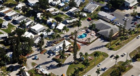 Best Price on Fort Myers Beach Resort Two-Bedroom Park