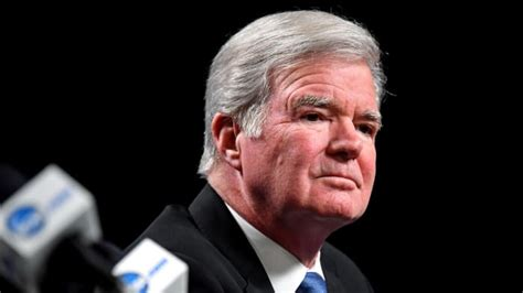How NCAA, Mark Emmert might approach name, image, likeness