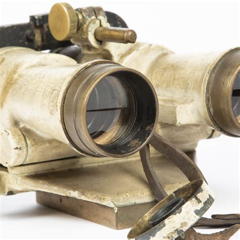 8 x 50 binoculars for the French Navy by Huet & Cie - For