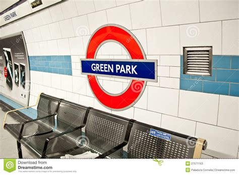 London Underground At GREEN PARK Station Editorial Stock