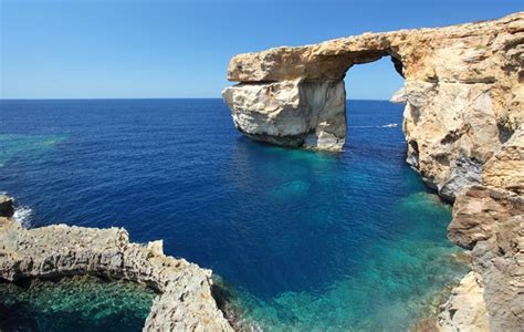 """""""Game of Thrones"""" rock formation in Malta collapses during"""