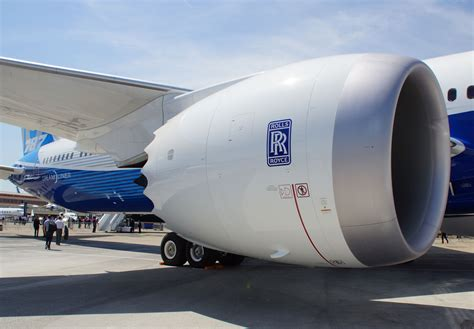 EASA orders airlines to replace some Rolls-Royce Trent