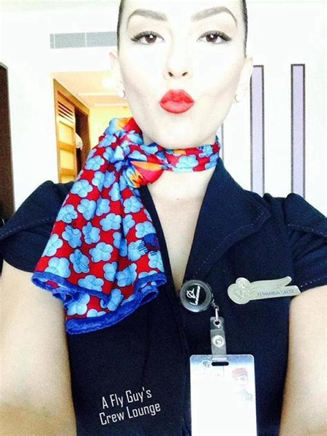 35 Sexy Flight Attendant Selfies From Around the Globe - A