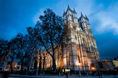 Westminster Abbey - Church in London - Thousand Wonders