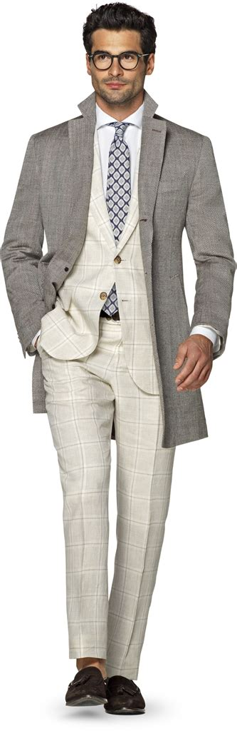 Suitsupply Spring/Summer 2017 Men's Suits from the New