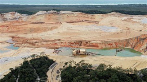 North Stradbroke Island sand mining to be phased out by