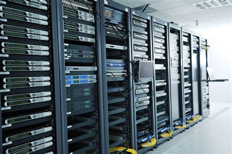 Server Rack vs Network Rack (Difference Between Server and