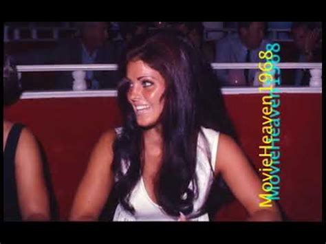 Priscilla Presley as Elvis wife outfits and make up Las