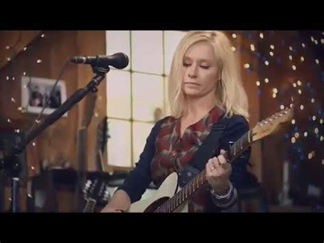 Shelby Lynne 'Leavin' Live From Daryl's House - YouTube